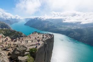 Fiordos Noruegos y Leyendas Vikingas