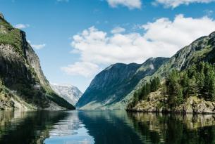 Fiordos Noruegos. Kayak, trekking y bici