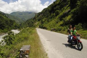 Las montañas de Nepal con guía y asistencia