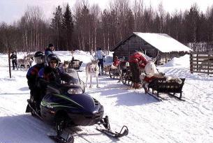 Fin de Año en Laponia (Rovaniemi): duerme en la aldea de cabañas Santa Claus