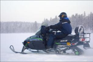 Laponia Finlandesa: Ivalo con actividades en motos de nieve (5 días)