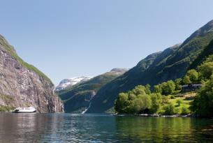 Noruega: los fiordos de Bergen y Allesund a tu aire con coche de alquiler