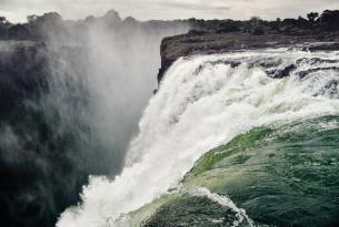 Botswana y las Cataratas Victoria desde Zimbabwe