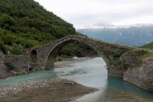 Trekking en el sur de Albania, Zagoria y Jballnicë