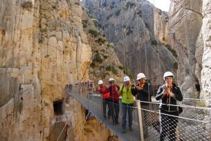 Puente de Mayo: Caminito del Rey, Costa malagueña y Tetuán