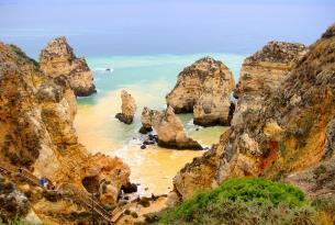 Puente de Mayo: Senderismo en grupo single por acantilados y playas del Algarve