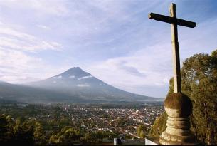 Guatemala y Belice: mundo maya y Caribe inédito