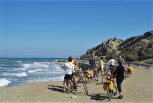 Isla de Rodas en bicicleta y a tu aire