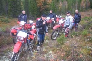 Viaje en moto Enduro Suecia, expedición Circulo Ártico