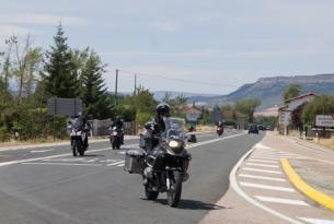 Viaje en moto Cantabria Infinita 8 días en tu propia moto o de alquiler.