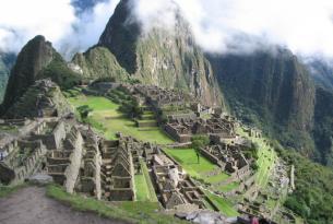 Perú y sus joyas en grupo: con Valle Sagrado, Machu Picchu y Titicaca