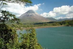 Semana Santa en Costa Rica: Tortuguero, volcán Arenal y playas de Manuel Antonio